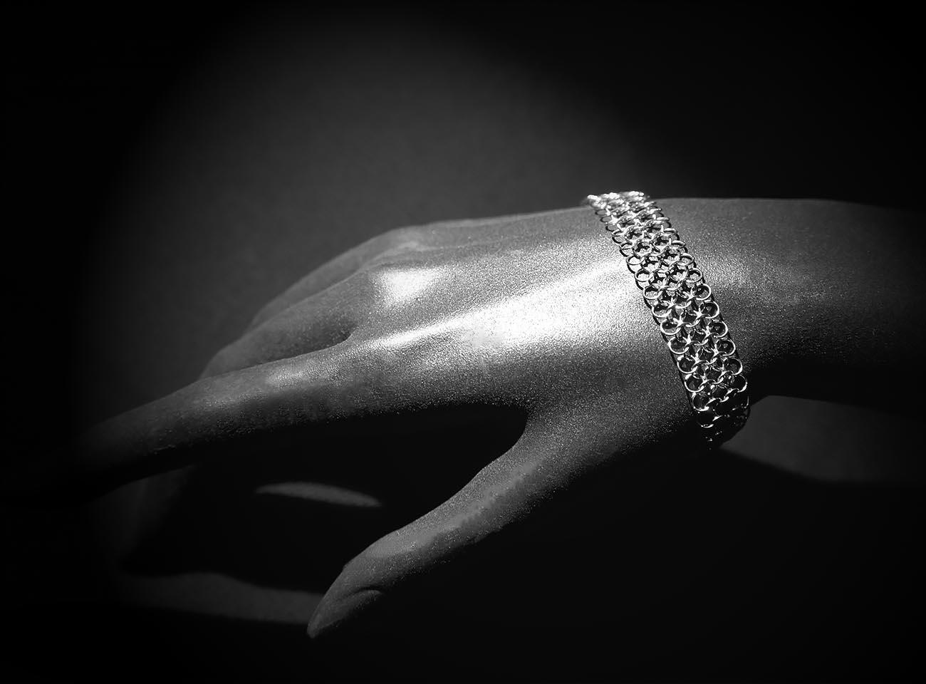 Bracelet one line, by Saratheo