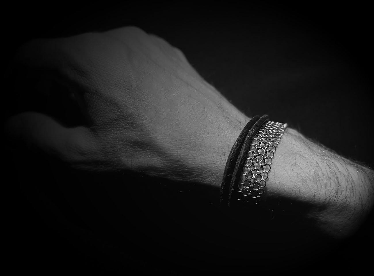 bracelet one line man, by Saratheo